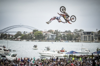 levi-sherwood-red-bull-x-fighters-sydney-2012