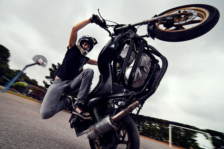 French Female Stunt Rider Sarah Lezito