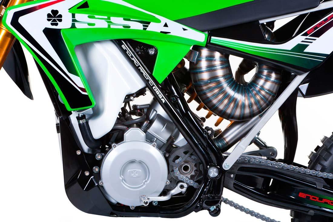2 takt motorcykel med benzinindsprøjtning. OSSA 300i