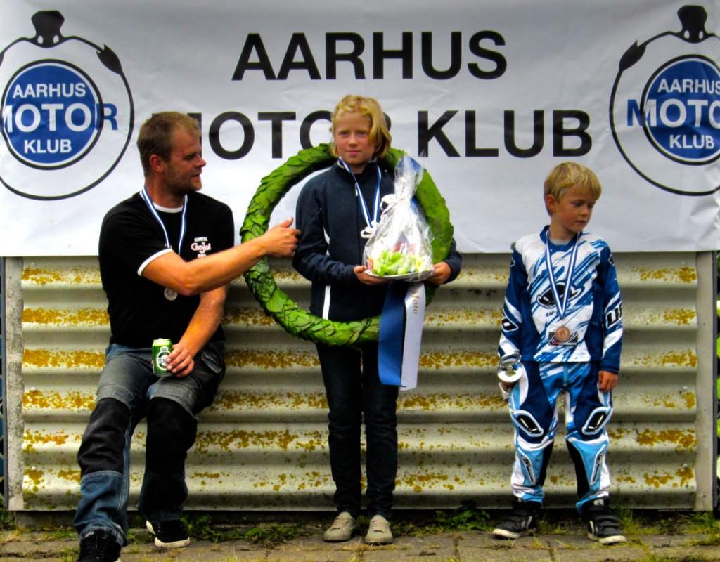 Steen Fredsøe lykønsker seje' Nanna Salling med hendes DM 2013