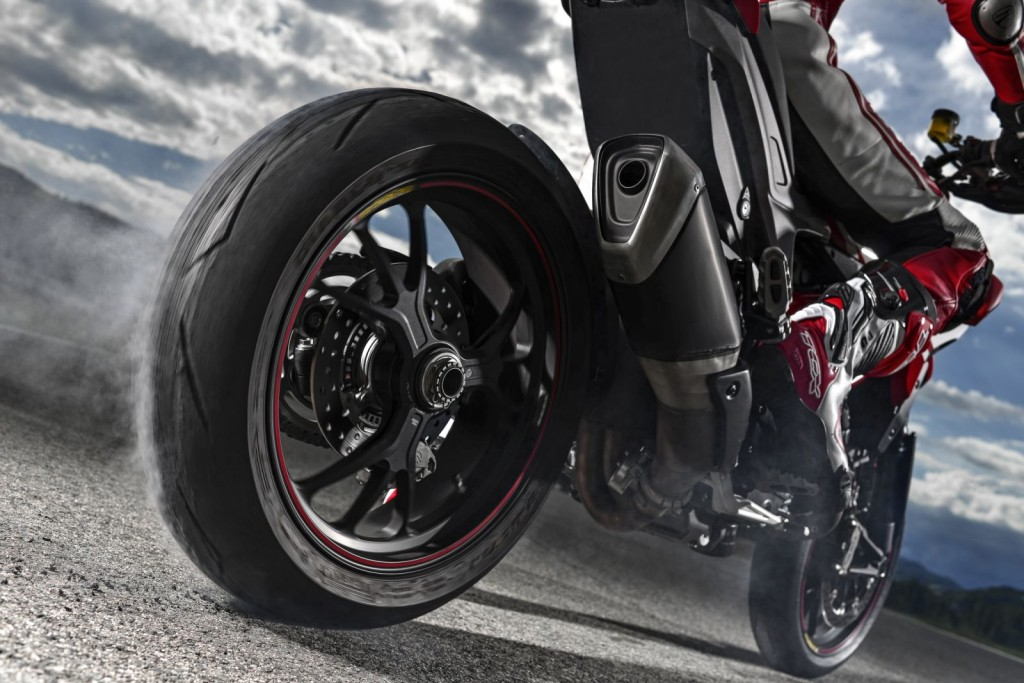 2015 Ducati Hypermotard SP Burnout