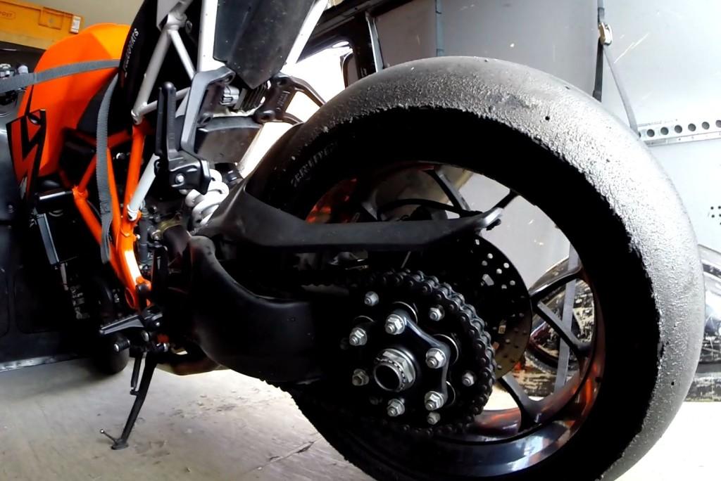 KTM SUPER DUKE 1290R MONO BAGSVINGER
