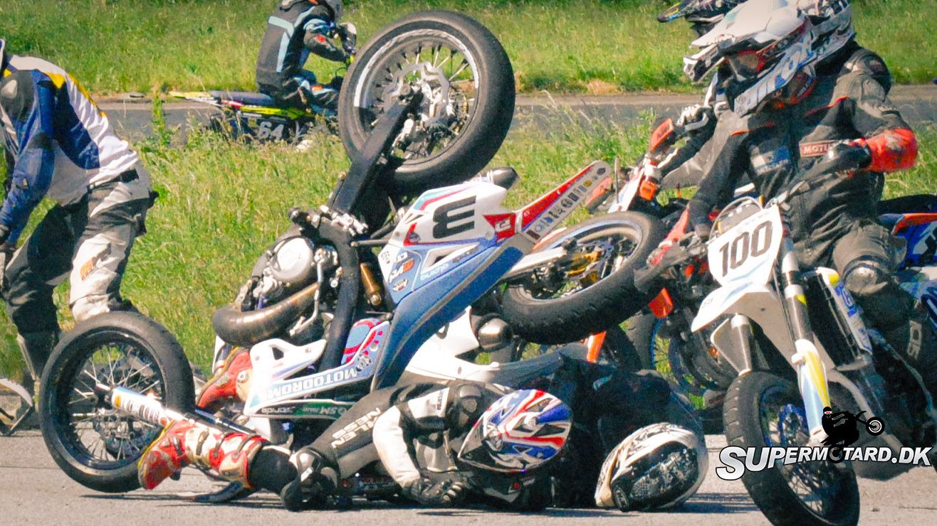 Supermoto Crashes